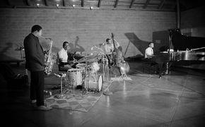 John Coltrane, Jazz-Novum - Coltrane stürmt weltweit die Charts