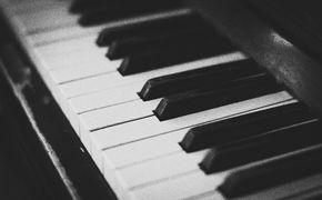 Piano Masters, Viel mehr als schwarz-weiß: Das moderne Klavier und seine Vorfahren