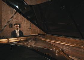 Víkingur Ólafsson, Bach: Concerto D-moll 2. Adagio