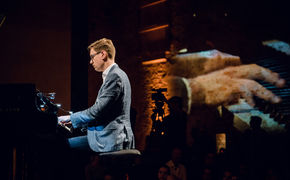 Yellow Lounge, Zeitreise – Víkingur Ólafsson verbindet Vergangenheit und ...