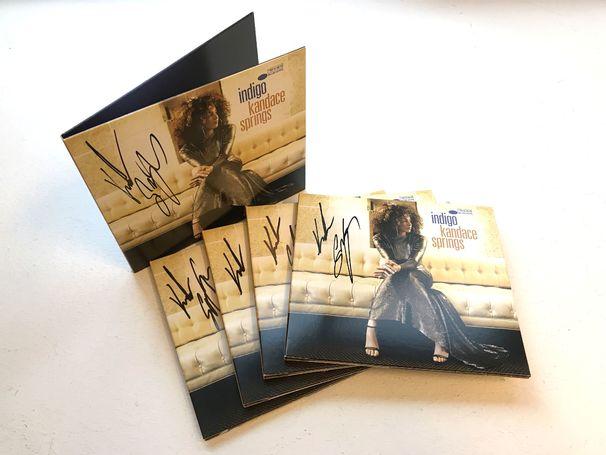 Kandace Springs, Signierte Kandace-Springs-Alben zu gewinnen
