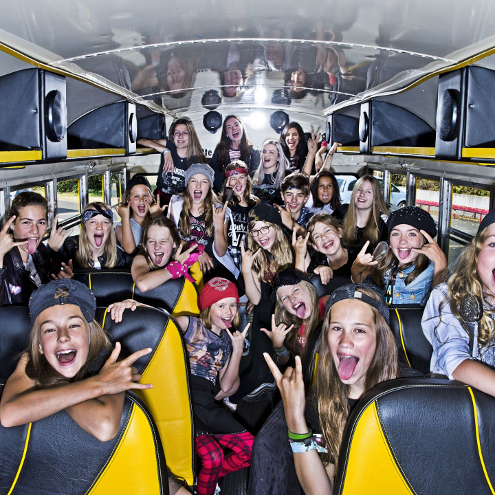 Kids On Stage Bus innen (002)