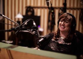 Sarah McCoy, Albumtrailer Blood Siren