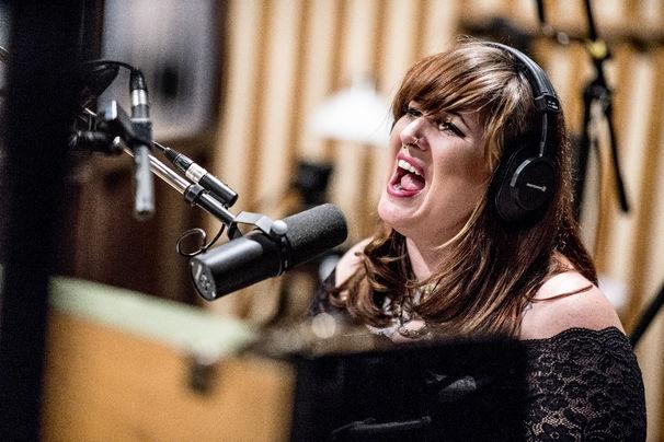 Sarah McCoy, Neues Jahr, neuer Ohrwurm - Sarah McCoys Song-Premiere Devil's Prospects