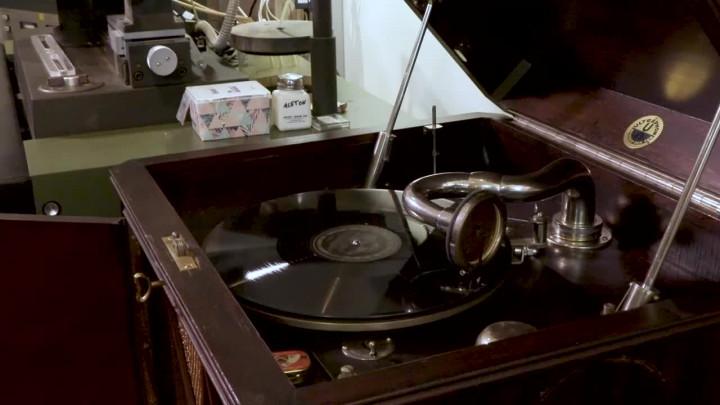 The Shellac Project - Akustische Aufnahmetechnik und Lesungen von Tolstoi