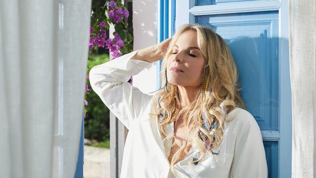 Elina Garanca, Reise in den Süden - Elīna Garanča nimmt mit dem Album Sol y vida den Sommer vorweg