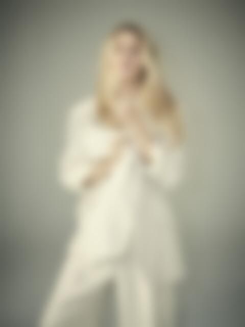Ellie Goulding 2019 Sixteen