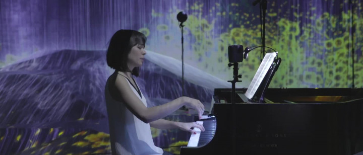 Alice Sara Ott - Debussy: Rêverie, L. 68 (Live from Yellow Lounge Tokyo)