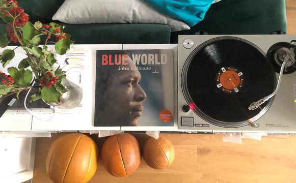JazzEcho-Plattenteller, John Coltrane - Blaue Welt als schwarze Scheibe