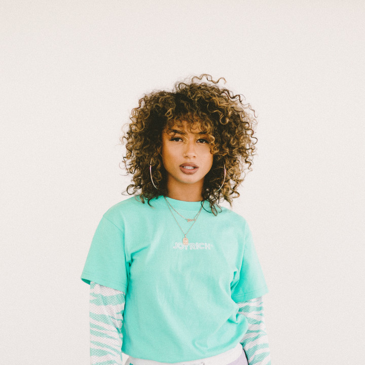 DaniLeigh PressPic 2019 (14)