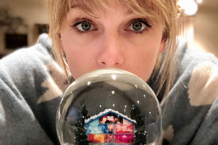 Taylor Swift 2019 Christmas Tree Farm