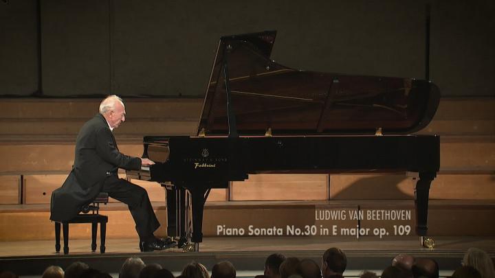 Beethoven: Piano Sonata No.30 in E major, Op. 109: 1. Vivace ma non troppo
