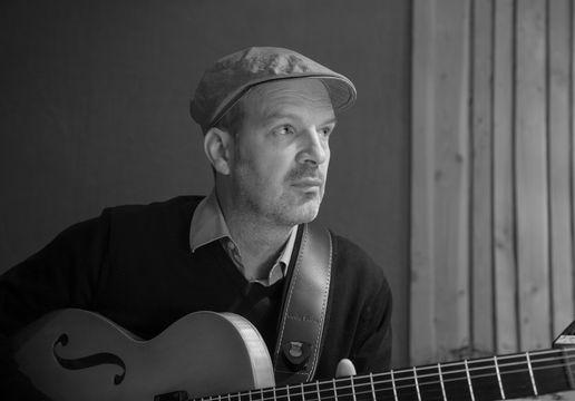 Wolfgang Muthspiel, Wolfgang Muthspiel Trio - Blues mit abgerundeten Kanten