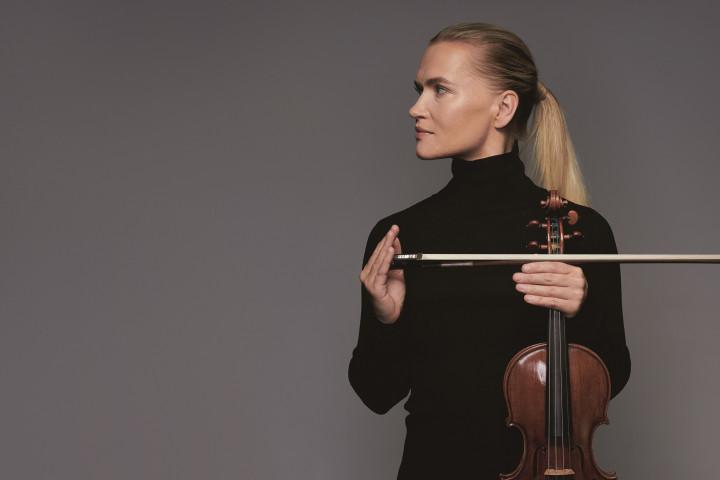 Mari Samuelsen mit Violine