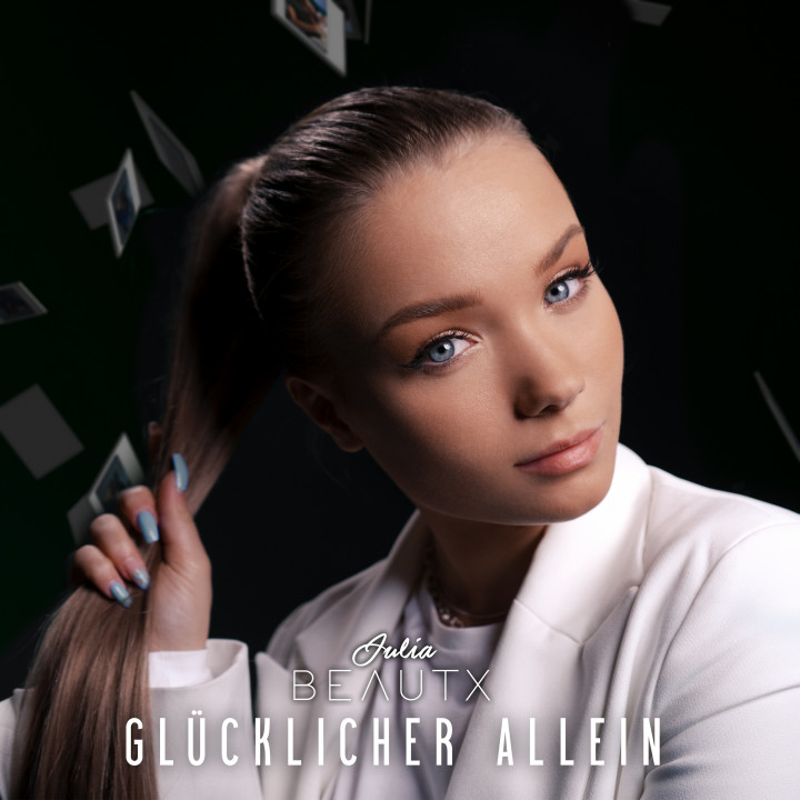 Julia Beautx - Cover