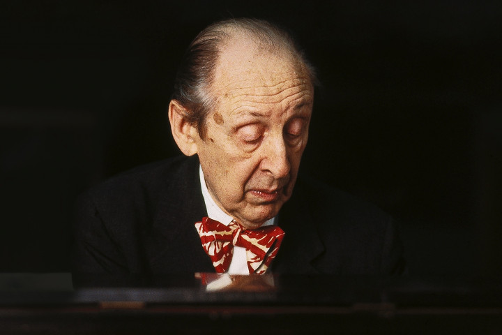 Vladimir Horowitz Essentials Cover