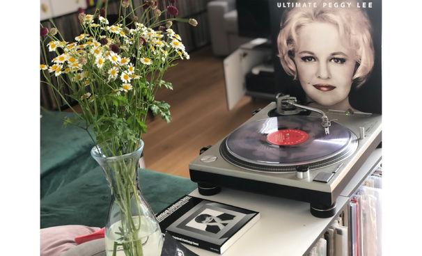 JazzEcho-Plattenteller, Le(e)ssons in Understatement - Peggy Lee in Clear Vinyl