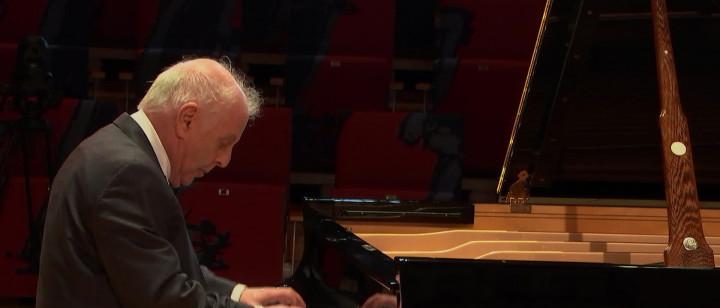 Beethoven: 33 Variationen in C-Dur, Op. 120, Thema & Var. 1: Alla marcia maestoso