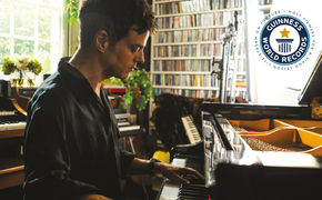 Jamie Cullum, The Pianoman at Christmas – Jamie Cullum startet Weltrekordversuch