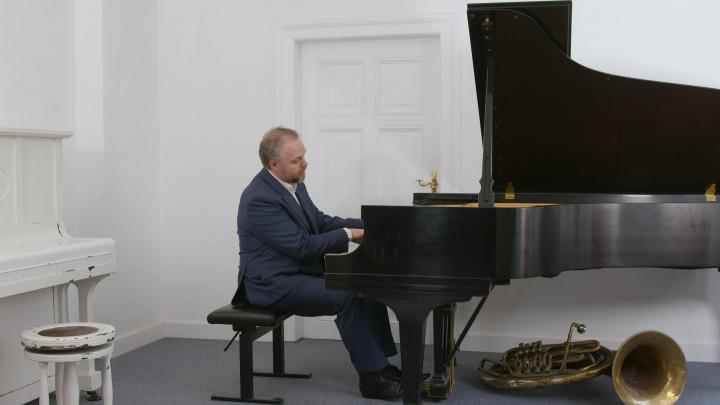 """Weltpremiere – Hinrich Alpers interpretiert das neu entdeckte Werk """"Erinnerung"""" von Humperdinck"""