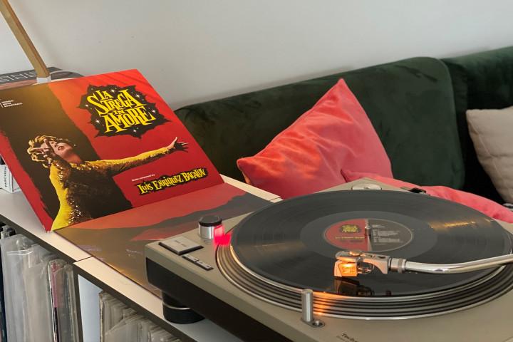 "JazzEcho-Plattenteller: ""La Strega In Amore"" - Luis Enriquez Bacalov (CAM Sugar Soundtrack)"