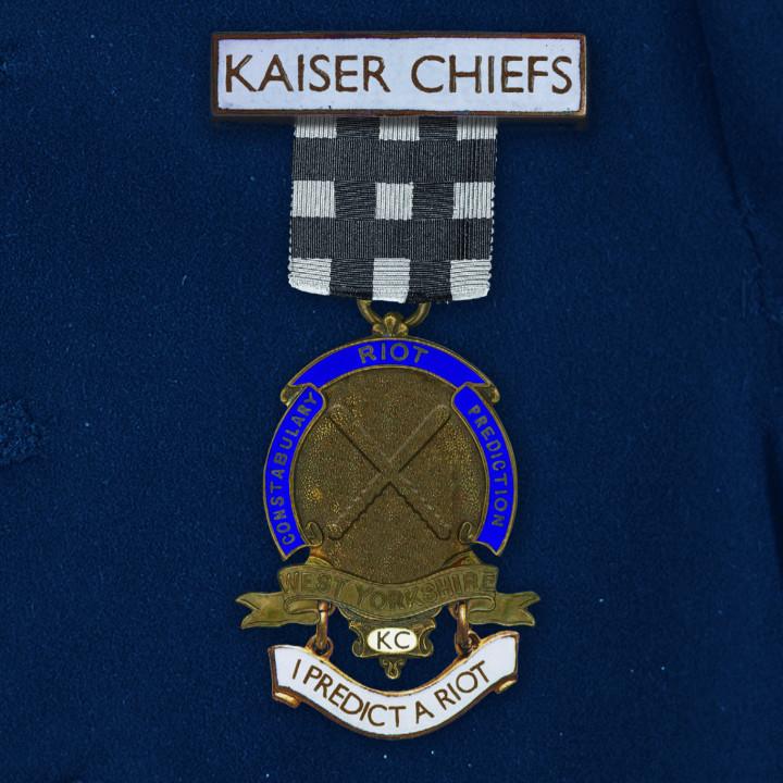 """Kaiser Chiefs - """"I Predict A Riot"""""""