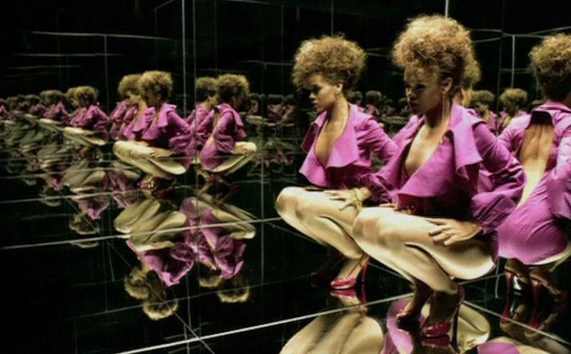 Rihanna, SOS